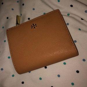 Tory Burch tan wallet